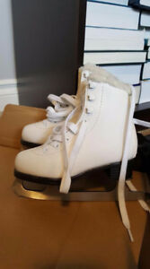 Cameo by Jackson girls skates sz 10 youth (for 3-5 year old)