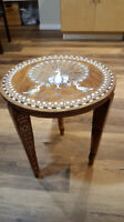 beautiful decorated tiny coffee table