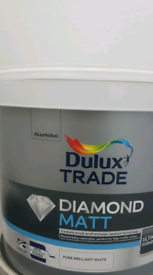 Dulux Trade Diamond Matt Pure Brilliant White Paint