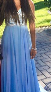 Magnifique robe de bal bleu