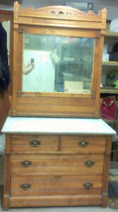 Commode antique