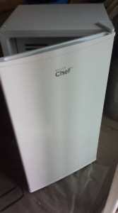 Master Chef White Mini Fridge