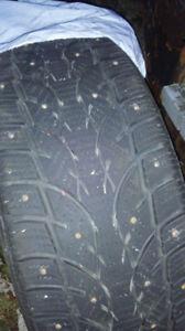 4xPneus d'hiver/Winter Tires 205/50R17  (17'') Cloutés /Stubbed