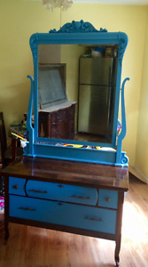 Antique Victorian Dresser w/Hard Carved Ordinate Harp Mirror
