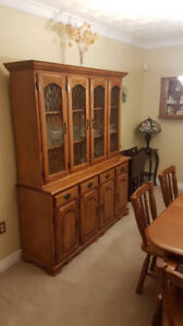 BUFFET/HUTCH & DINING ROOM TABLE & CHAIRS