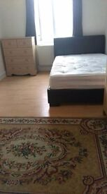 Double room to rent for single person in shared 3 bedroom house in Woking