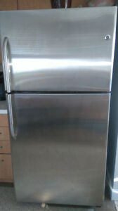 "22 Cu Ft GE Stainless Steel Fridge (67"" high. 33"" wide, 31""deep)"