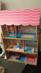 VINTAGE DOLL / PLAY HOUSE