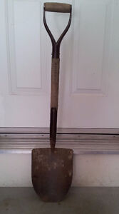 Lots of gardening tools for sale London Ontario image 2