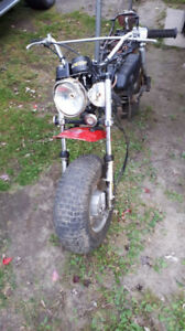 Moto antique Suzuki rv90 pour piece