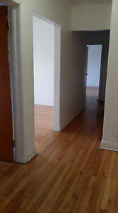 large 4 1/2 for rent, NDG, available now