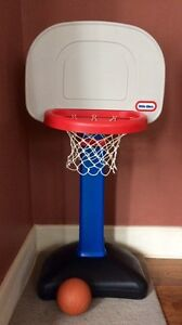 Little Tikes Kids Basketball Net and Ball