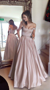 BEAUTIFUL PROM DRESS BRAND NEW - MAGNIFIQUE ROBE DE BAL NEUVE
