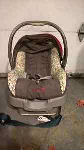Pousette et coquille Safety 1st Stroller and capsule West Island Greater Montréal image 8