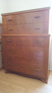Bureau de monsieur en bois vintage chambre à coucher