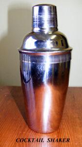 Cocktail shaker 650 ml food safe easy clean, jigger cap strainer