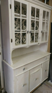 Large solid hutch