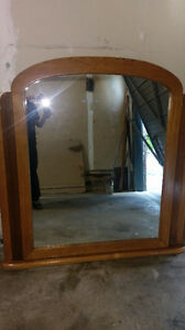 SOLID WOOD   MIRROR $25.00 CALL 519-502 1370