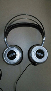 Marley Destiny-TTR noise cancelling headphones
