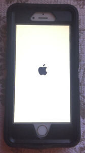 iPhone 6 with otterbox and charger 32gb