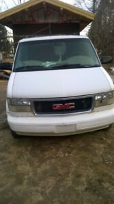 GMC safari 2000 automatique $1100
