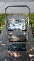 Compact Lightweight 3 Large Step Stepstool Steel Easy Storage