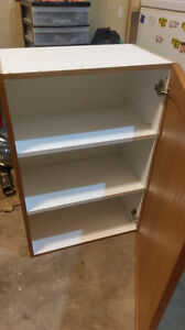 WOOD CABINET GOOD CONDITION $50.00 519-502-1370