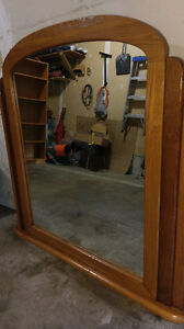 SOLID WOOD MIRROR $15.00 CALL 519-502 1370