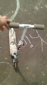Girls' scooter