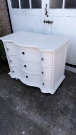 (Graham&Green) Beautiful solid chest of drawers