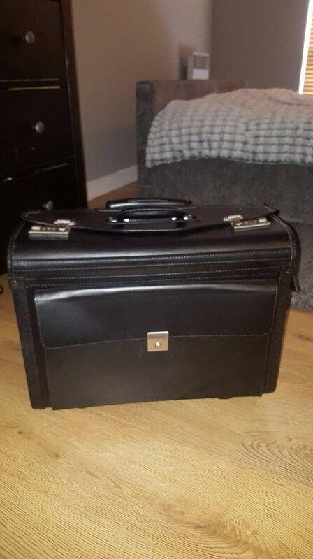Trolley case, wheeled, imitation leather, black