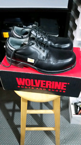 NEW CONDITION WOLVERINE OXFORD SAFETY SHOES