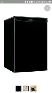 Mini fridge / 2 microwaves MUST GO