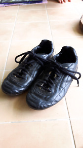 Youth boys size 4.5 cleats