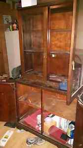 China cabinet with matching  hutch