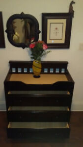 Baby Changing Dresser >> DELIVERY INCLUDED !