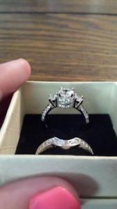 Gorgeous engagment ring set