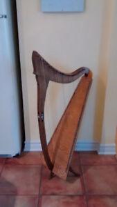 Harpe celtique 28 cordes Vintage bois 39'' haut x 12 x 20