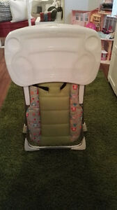 Evenflo highchair with tray