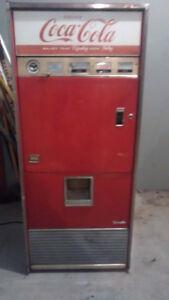 MACHINE DISTRIBUTRICE COCA- COLA 1960-1970
