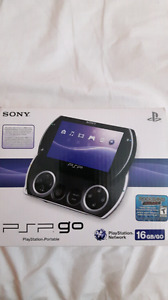 PSP GO BLACK New Condition + 15 Games