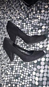 1 paire de souliers à talons hauts Spring grandeur 11