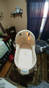 Brand new owl bassinet