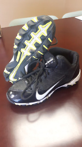 Nike cleats size 4y