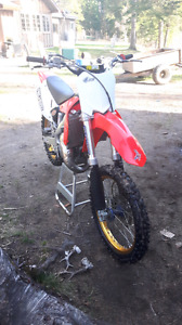 Clean CR 125 trade for a mud qaud or 2700$