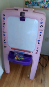 Kids Art Easel!!