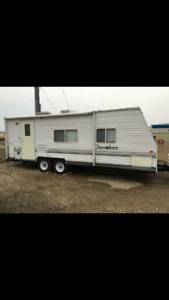 2004 Cherokee Lite - dual axle trailer – Excellent Condition