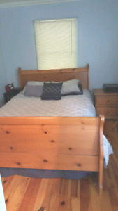 Queen Sleigh Bed/dresser/end table