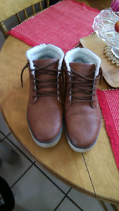Size 12. Nice, Clean pair of Mens Winter Boots