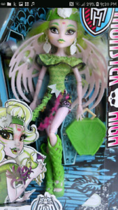 Every Monster High Doll In box+ School Castle & Car, All Never U